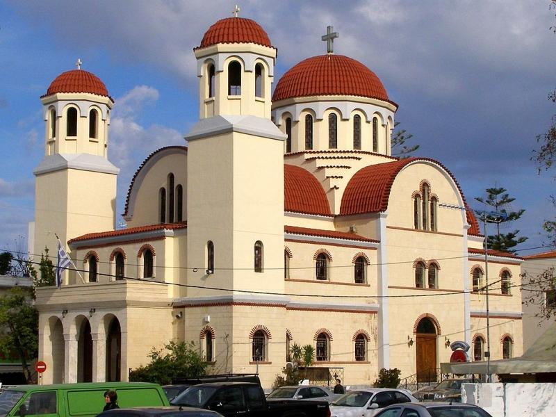 Agia Triada, Alexandria, Imathia Tesseris Martyres Church  Photo by: Frente, bearbeitet von Oltau commons.wikimedia.org