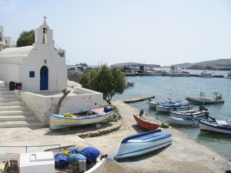 Karavostasis, Folegandros, Folegandros Island Karavostasis  «Port de Karavostasi sur Folegandros» de Arnaud Malon commons.wikimedia.org/wiki