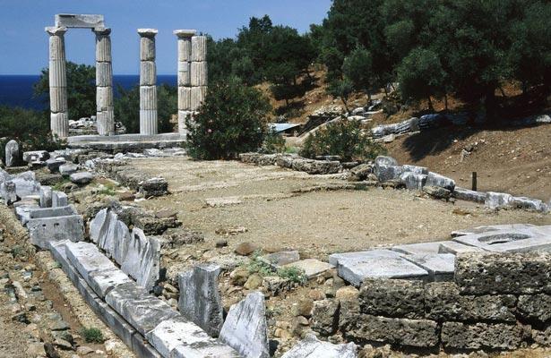 Vasilikos, Igoumenitsa, Thesprotia Hieron at Sanctuary of the Great Gods  photo by Ggia, wikipedia.org
