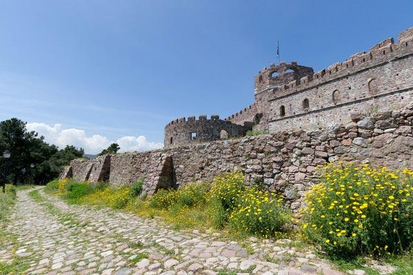 Ano Paleokklisi, Filiates, Thesprotia Castle of Mytilene  photo by Katsiaryna Naliuka, wikipedia.org