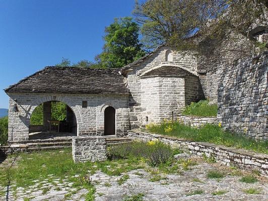 Agia Paraskevi Monastery, Skamneli  photo by Skamnelis, wikipedia.org