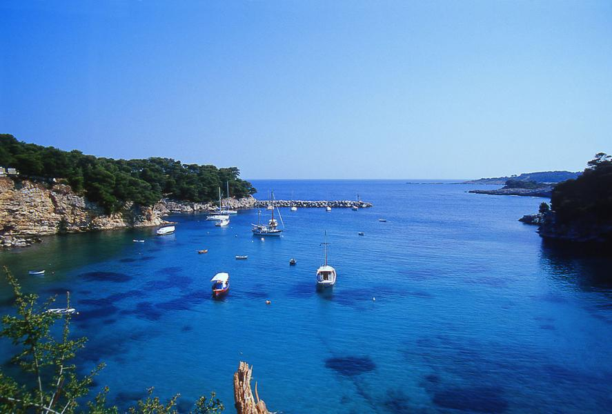, <br>The picturesque gulf of Votsi in the island of Alonnisos. Copyrights: Municipality of Alonnisos