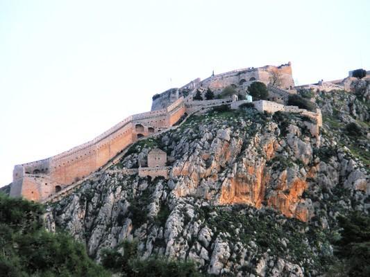 Farakla, Mantoudi Limni Agia Anna, Euboea Ναύπλιο, κάστρο Παλαμήδι.  Το Παλαμήδι, όπως φαίνεται από την παλιά πόλη του Ναυπλίου. - by spidrman