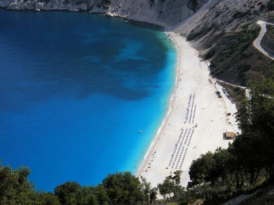 Katakalos, Kimi Aliveri, Euboea Παραλία Μύρτος, Κεφαλλονιά.  Η εικόνα από μόνη της εξηγεί τον λόγο για τον οποίο η παραλία αυτή έχει επανηλειμμένα ψηφιστεί ως η ομορφότερη στον κόσμο. - by spidrman