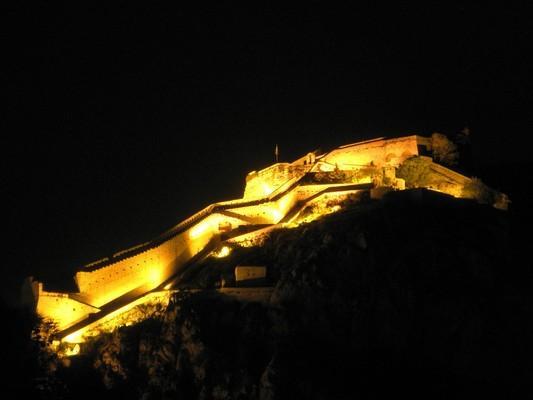 Farakla, Mantoudi Limni Agia Anna, Euboea Ναύπλιο, κάστρο Παλαμήδι.  Το Παλαμήδι την νύχτα, όπως φαίνεται από την παλιά πόλη του Ναυπλίου. - by spidrman