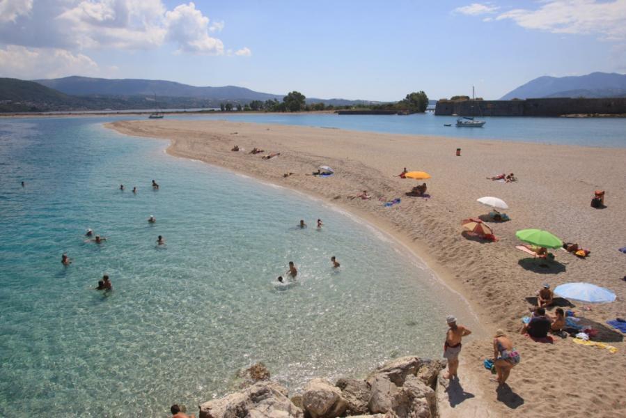 Lefkada Island Amoglossa Beach  photo by www.lefkada.gr