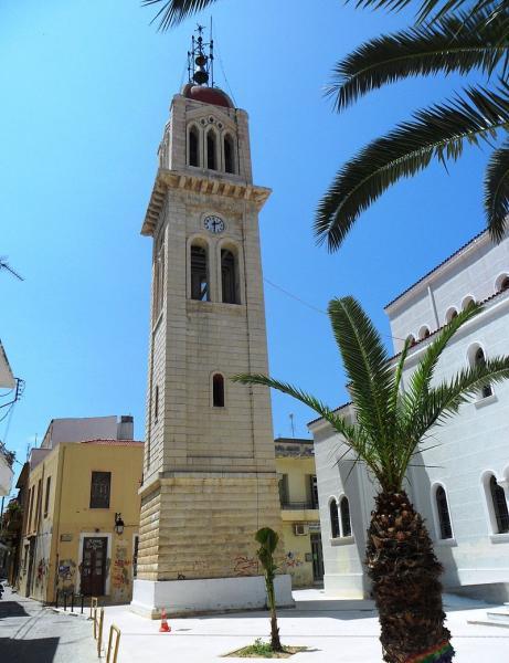 Agios Georgios, Veria, Imathia Metropolitan Church  Photo by: Hugo.arg commons.wikimedia.org