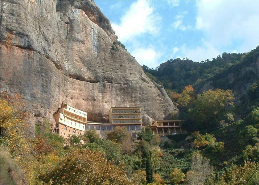 Kastria, Kalavrita, Achaea The Monastery of Mega Spileon  photo by Napoleon Vier from nl. commons.wikimedia.org