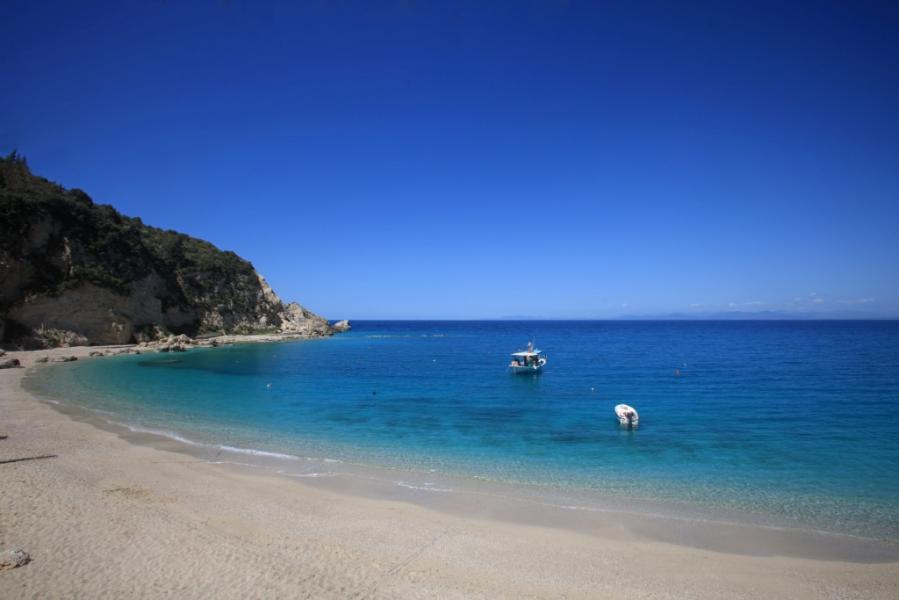 Lefkada Island Agios Nikitas Beach  photo by www.lefkada.gr