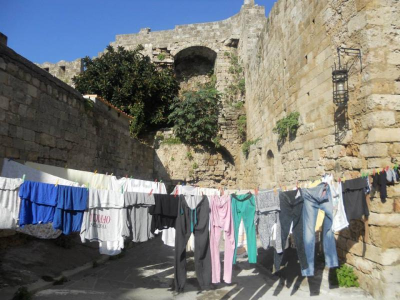 Rhodes Town, Rhodes, Rhodes Island La vie en Rhodes  απλά καθημερινά πράγματα στη μεσαιωνική πόλη