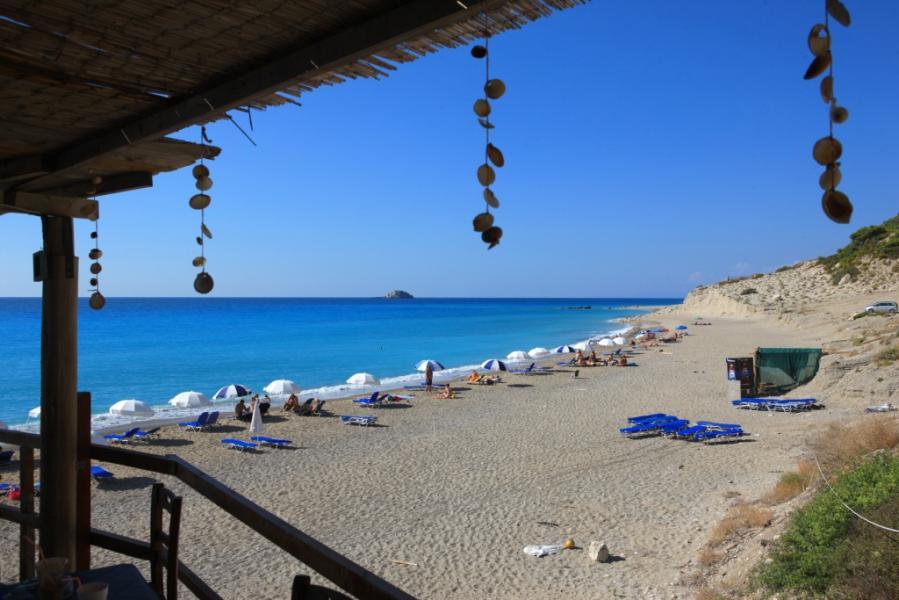 Lefkada Island Gialos Beach  photo by www.lefkada.gr