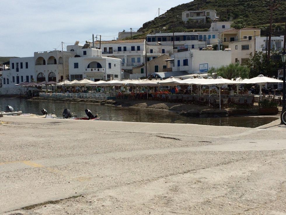 Loutra, Kythnos, Kythnos Island Παραλία Λουτρών  -