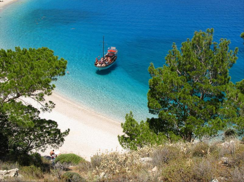 Karpathos Island Apella beach, Karpathos  photo by ufoncz commons.wikimedia.org