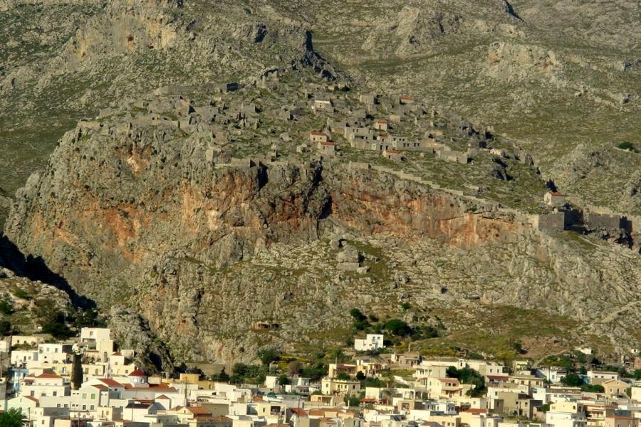Chorio, Kalymnos, Kalymnos Island Great Castle  photo by Egmontaz commons.wikimedia.org/wiki