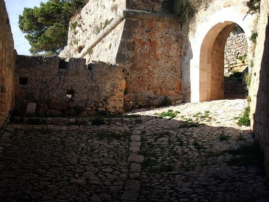 Zervo, Ziros, Preveza Agios Georgios - Kefalonia Castle  photo by Christos Vittoratos, wikipedia.org
