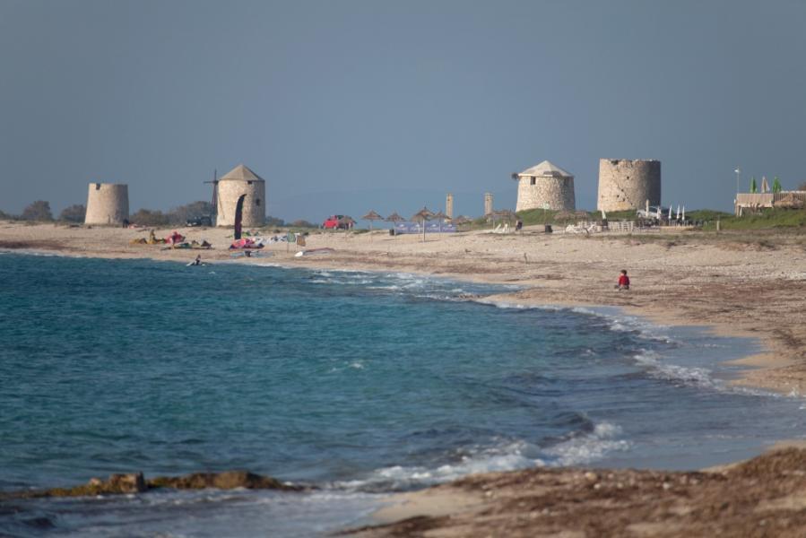 Lefkada Island Agios Ioannis Beach  photo by www.lefkada.gr