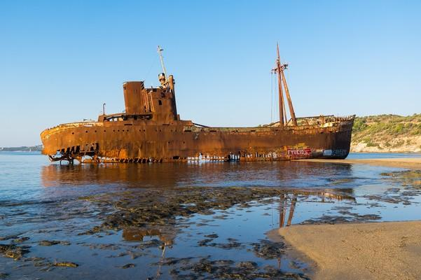 Dimitrios Shipwreck  photo by pixabay