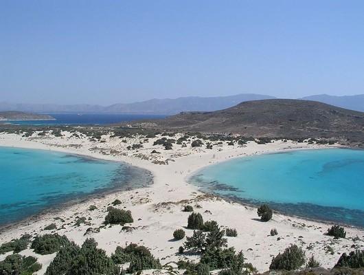 Agios Nikolaos, Paros, Paros Island Mikros Simos Beach  photo by Dnalor 01, wikipedia.org