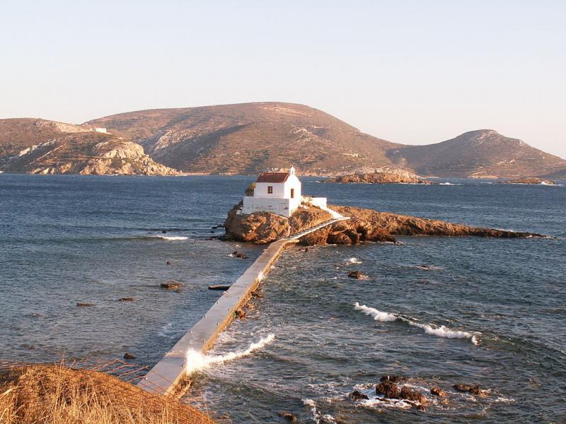 Leros Island Agios Isidoros  photo by Χάρης Μυλωνάς / Cmylonas commons.wikimedia.org/wiki