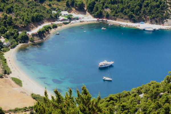Karkadiotissa, Heraklion, Heraklion Pefko  Pefkos beach as seen from a distance - by tonino
