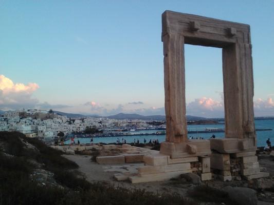 Kato Monokaria, Istiea Edipsos, Euboea Naxos Town  Portara - by Κυριακή