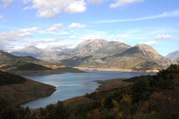 Vaggos, Megalopolis, Arcadia Mornou Artificial Lake  photo by anjči, wikipedia.org
