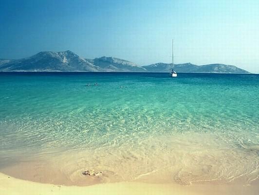 Agia, Naxos, Naxos Island Αγαπημένη παραλία ... χάνεσαι στο απέραντο γαλάζιο!!!  Πορί Κουφονήσια - by Artemis
