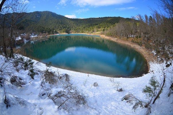 Platanos, Karpenisi, Evrytania Tsivlou Lake  photo by Georgikopoulos Manolis, wikipedia.org